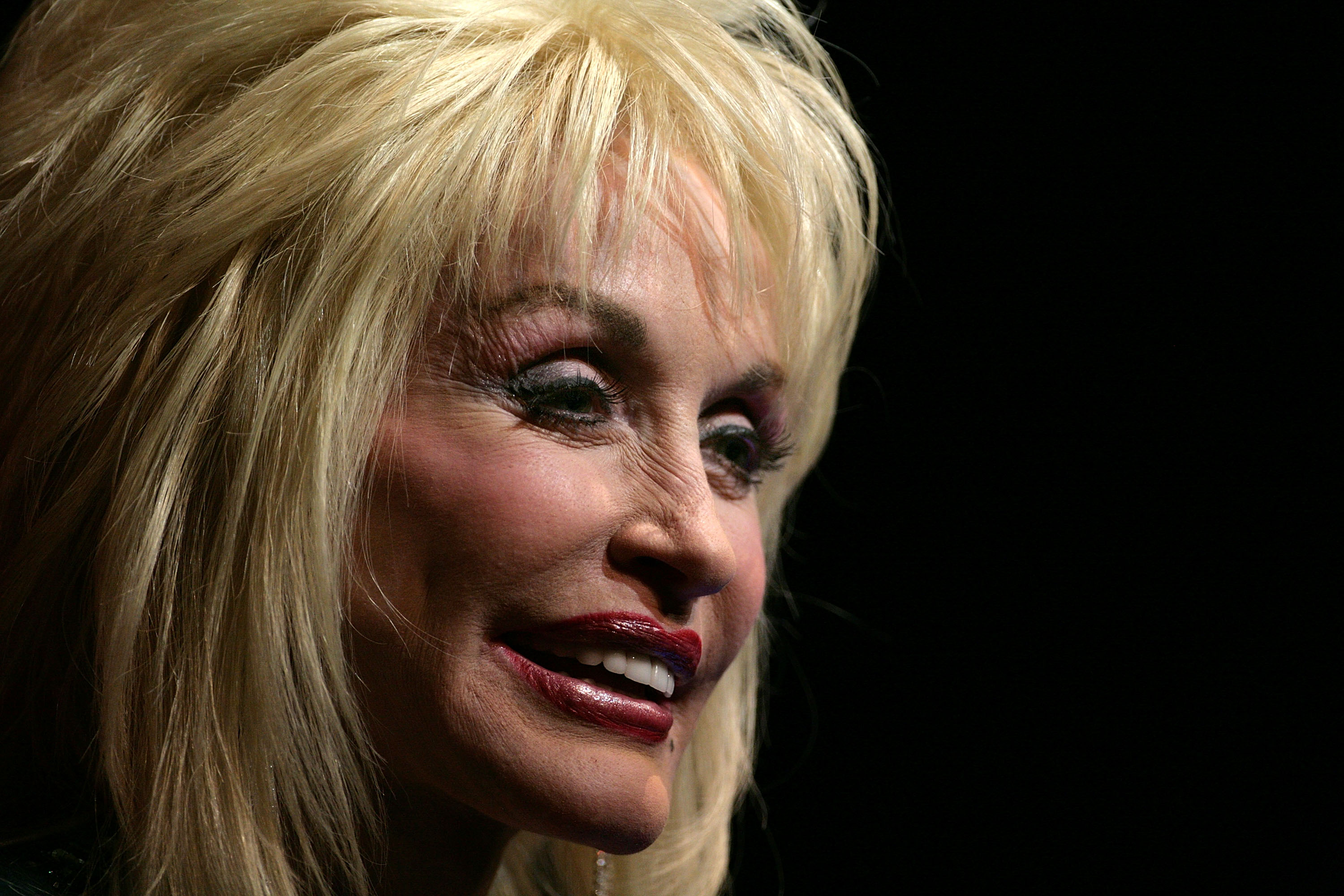 Dolly Parton Announces My People Fund To Help Wildfire Victims Abc10 Com