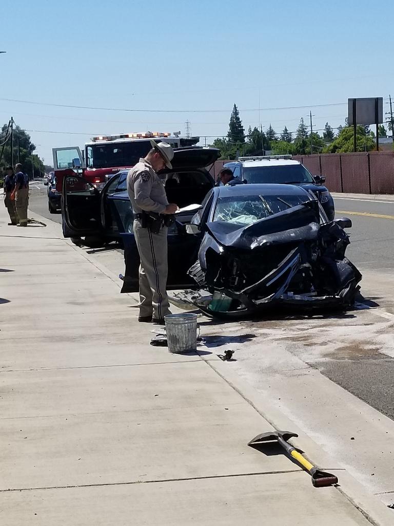 Sacramento Car Accident Reports >> Multi-car crash blocks frontage roads near Hwy 99 in South Sacramento | ABC10.com