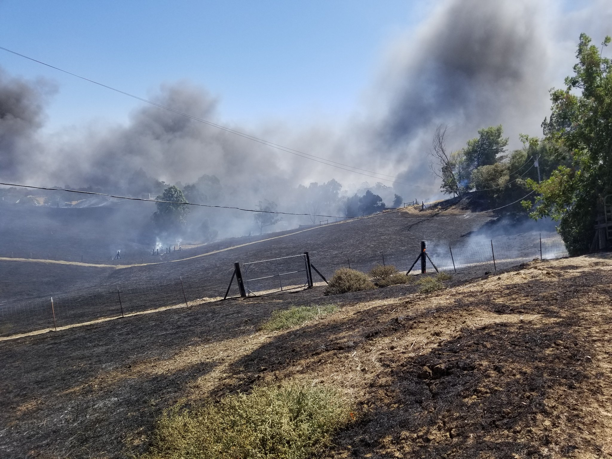 2 homes multiple buildings destroyed in vacaville fire for Vacaville weather